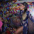 Anitta mostra fantasia de Carnaval para o trio Eu Vou, em Salvador, na Bahia