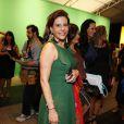 Narciza Tamborindeguy escolheu um vestido verde para o terceiro dia do Fashion Rio