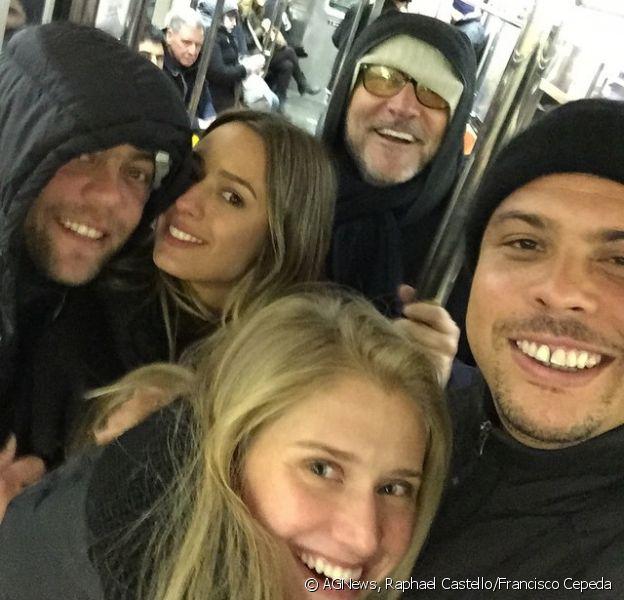 Ronaldo postou foto em sua conta de Instagram ao lado da namorada, Celina Locks: 'Metrô em Nova York'