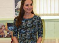 Kate Middleton, grávida de 6 meses, visita centro infantil com vestido de R$ 430