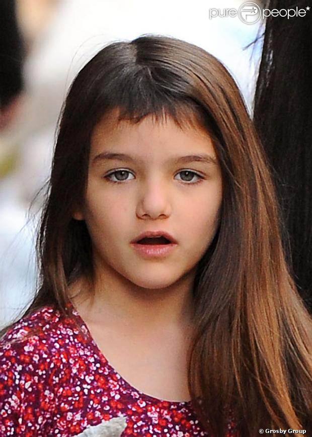 Suri, filha de Tom Cruise e Katie Holmes, completa 7 anos em 18 de abril de 2013