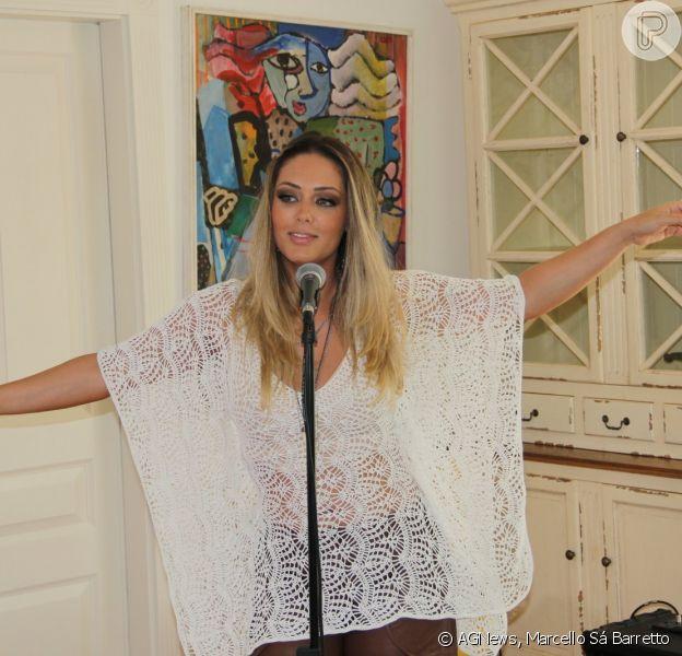 Tânia Mara gravou na tarde desta quinta-feira, 19 de fevereiro de 2015, o clipe da música 'Me Deixar Levar'
