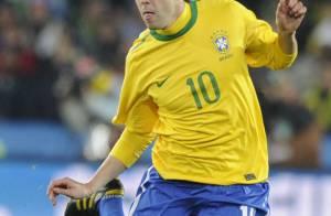 Kaká completa 31 anos esperançoso em defender seleção brasileira na Copa de 2014
