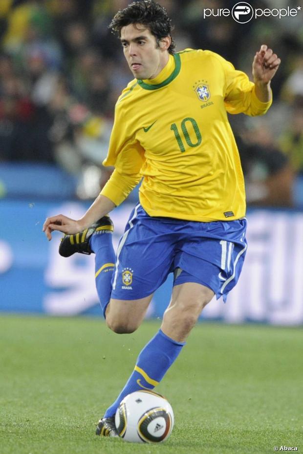 c94a62ec41 Kaká completa 31 anos esperançoso em defender seleção brasileira na ...