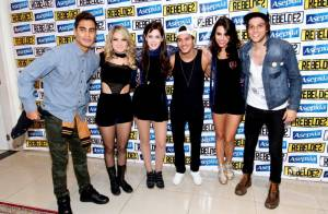 Rebeldes faz último show em São Paulo e Sophia Abrahão homenageia a cidade