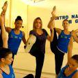Fernanda Gentil visitou um treino da seleção de ginástica rítmica do Brasil