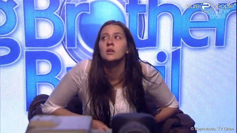 Tamires desistiu do 'Big Brother Brasil 15' na noite deste domingo, 8 de março de 2015