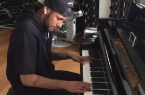 Neymar publica vídeo tocando piano e ganha elogios de fãs: 'Ele sabe fazer tudo'