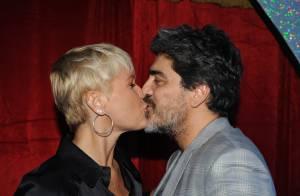 Xuxa beija o namorado, Junno Andrade, em inauguração de Casa X no Rio