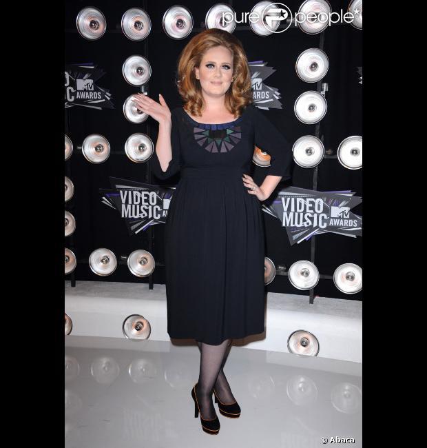 Adele dá à luz ao primeiro filho
