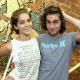 Isabella Santoni e Rafael Vitti posaram para fotos antes do show de Maria Luiza, atriz de 'Malhação'