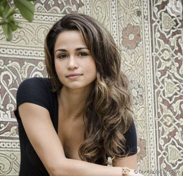 """Morena (Nanda Costa) se revolta ao saber que foi enganada e vai tentar de tudo para fugir em """"Salve Jorge"""", em dezembro de 2012"""