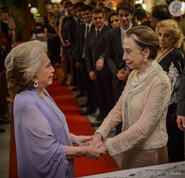 Novela 'Babilônia': Teresa e Estela se casam. Veja fotos da cerimônia!