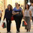 Na última terça-feira (21), Lívian Aragão tirou a tarde para passear com Nicolas Prattes em shopping do Rio