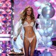 O primeiro desfile de Romee pela Victoria's Secret foi representando a linha 'Dream Girl', em 2014