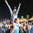 Sara Sampaio também aproveitou o festival Coachella deste ano ao lado de um amigo