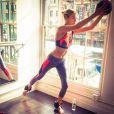 Martha Hunt não abre mão dos exercícios físicos para manter o corpo e a saúde em dia