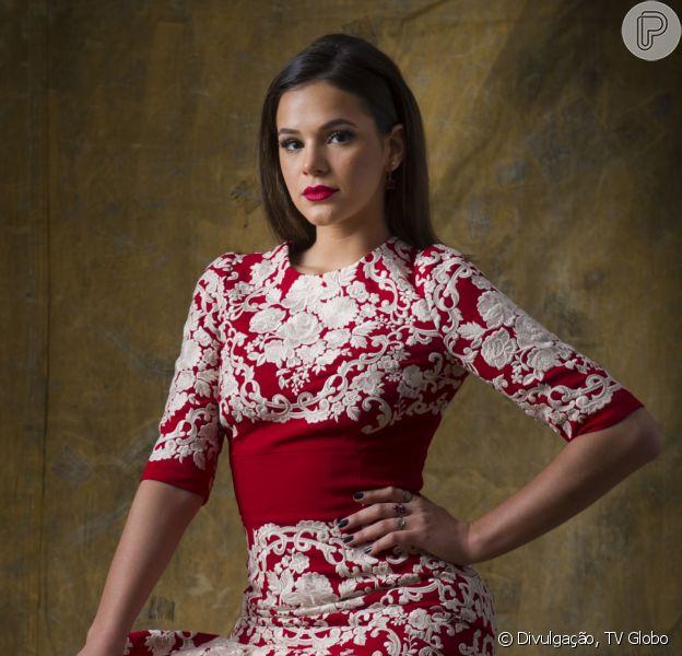 Bruna Marquezine ostentou na festa de lançamento de 'I Love Paraisópolis' usando um vestido da grife Dolce & Gabanna, que no site da marca custa US$ 6.995, aproximadamente R$ 21 mil
