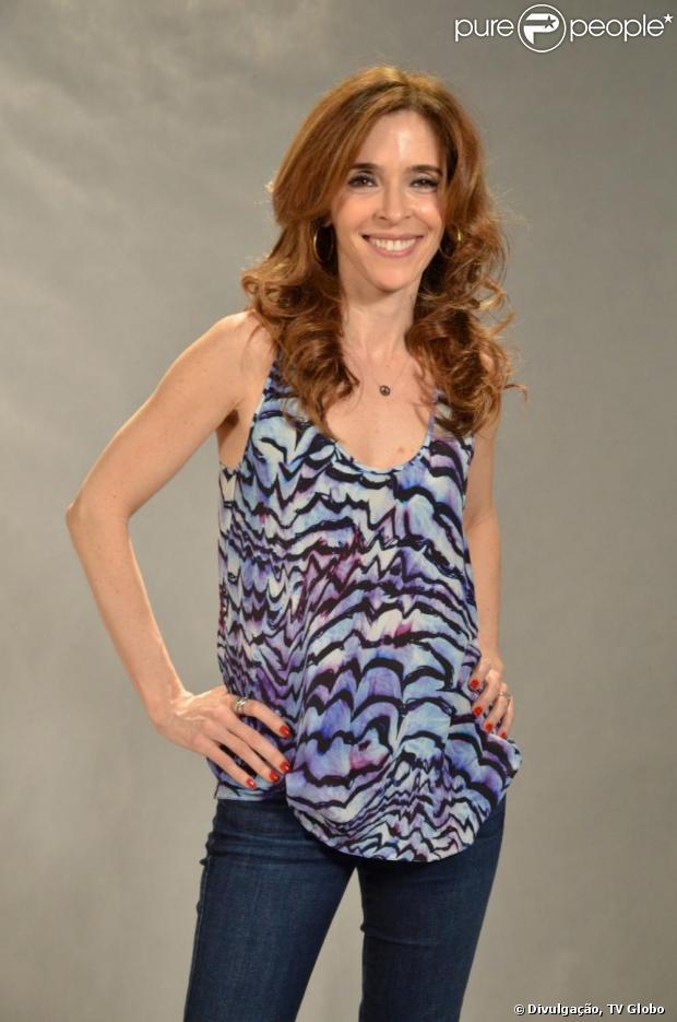 Irene (Deborah Evelyn) conhece Fabinho (Humberto Carrão) e descobre que ele é seu filho, em 'Sangue Bom', em 3 de junho de 2013
