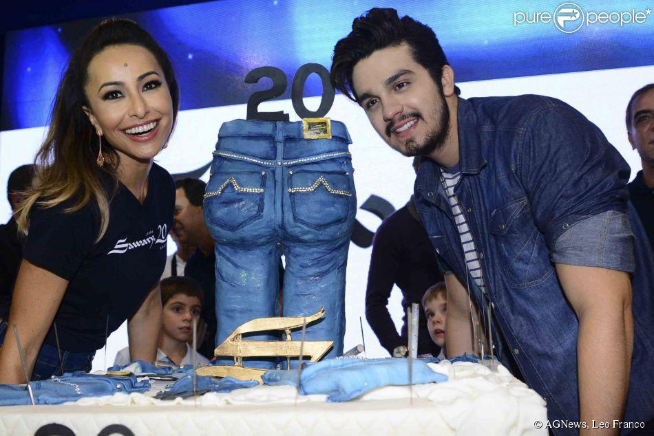 Luan Santana e Sabrina Sato participam de festa de grife em São Paulo,  nesta quarta 9a6bb7cab6