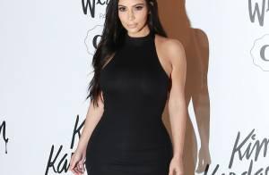 Kim Kardashian usa vestido justo em evento em SP e avisa: 'Não uso nada largo'