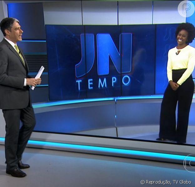William Bonner brinca com Maria Júlia Coutinho, a mulher do tempo, durante o 'Jornal Nacional': 'O que você prefere? Maria Júlia ou Maju, como você se intitula nas redes sociais?', perguntou ele nesta terça-feira, 12 de maio de 2015