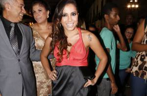 Estilista comenta look de Anitta no casamento de Preta Gil:'Precisava de ajuste'