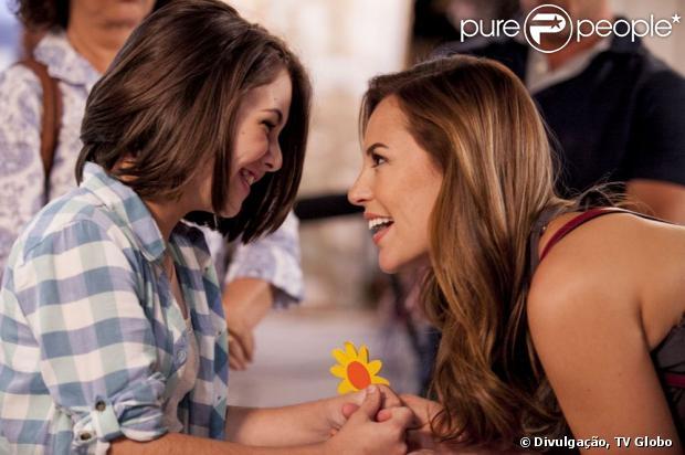 Paloma (Paolla Oliveira) vai descobrir que Paulinha (Klara Castanho) é sua filha biológica