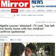 """Jornal britânico """"Mirror"""" publica fotos da chef de cozinha Nigella sendo enforcada pelo marido, Charles Saatchi"""