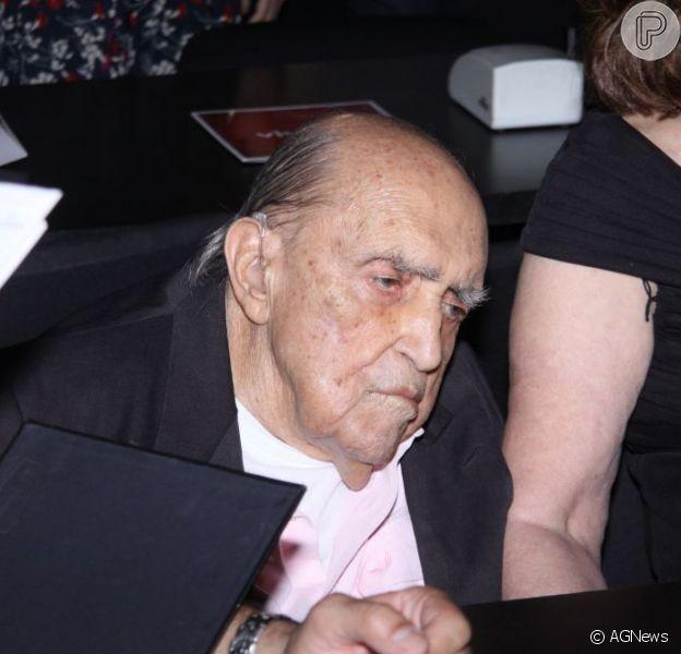 Oscar Niemeyer morreu nesta quarta-feira, dia 5 de dezembro de 2012, às 21h55, no Hospital Samaritano, em Botafogo, no Rio de Janeiro