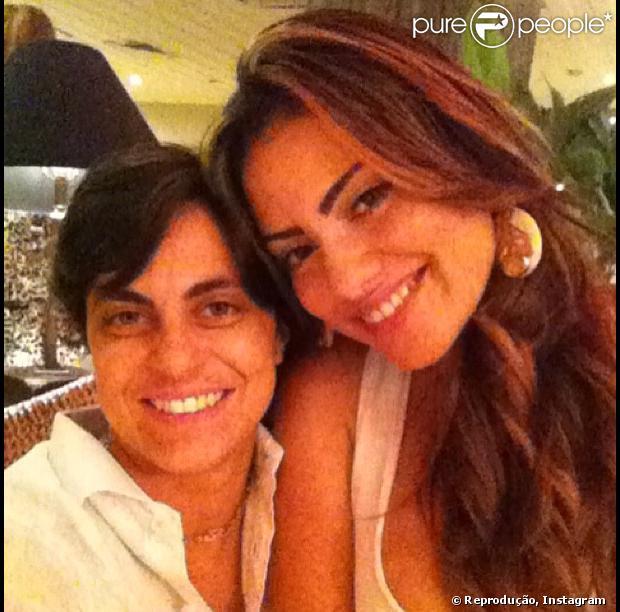 Thammy Miranda negou que tenha reatado o namoro com a cabeleireira Linda Barbosa, pela sua conta do Instagram, nesta segunda-feira, 24 de junho de 2013