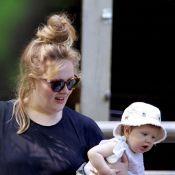 Adele aparece com o filho, Angelo, pela primeira vez em passeio no zoológico