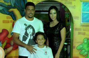 Ronaldo Fenômeno comemora aniversário do filho Alex em casa de festas na Barra