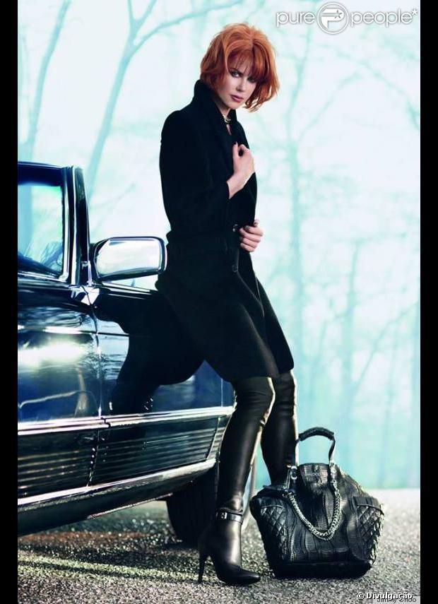 Nicole Kidman aparece com novo visual em campanha da grife de sapatos Jimmy Choo, em 2 de junho de 2013