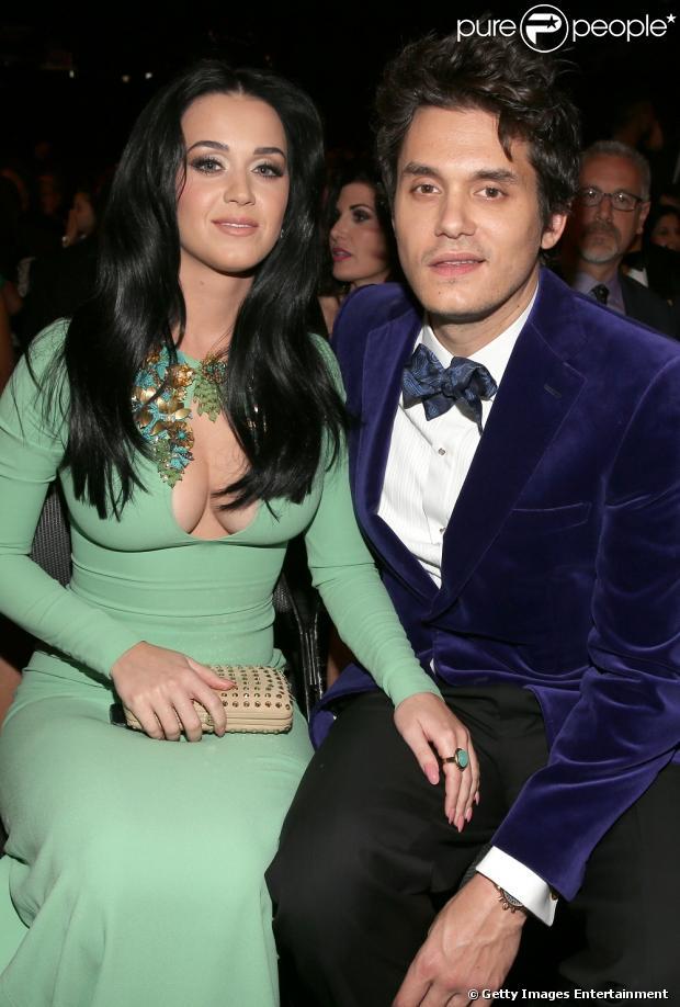 John Mayer dedica música para Katy Perry durante show, em 7 de julho de 2013