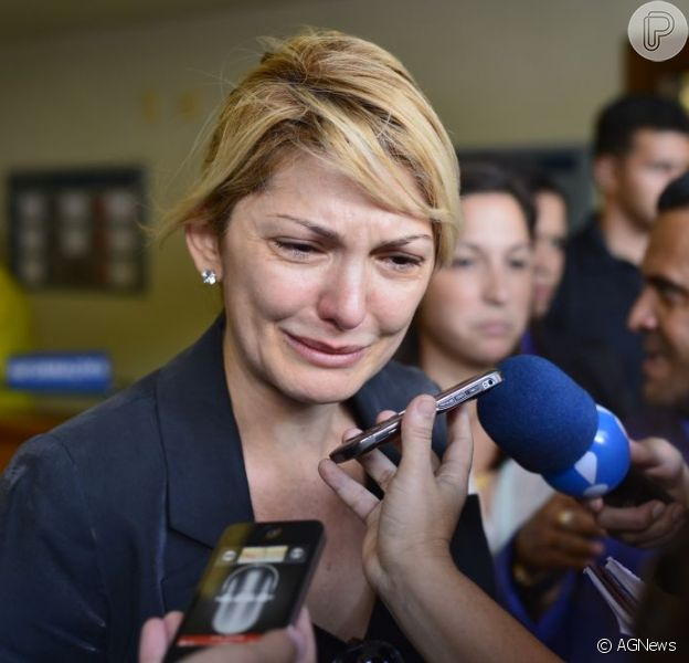 Antônia Fontenelle, a viúva de Marcos Paulo, conta à imprensa que o diretor morreu em seus braços