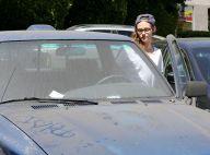 Kristen Stewart exibe carro com mensagem no capô: 'Eu amo Rob'