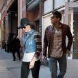 Kate Perry e o namorado, John Mayer, estavam em restaurante de Los Angeles, nos EUA