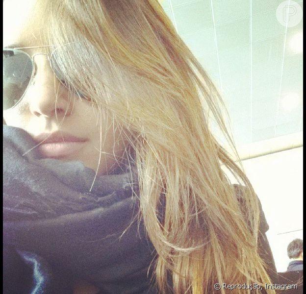 Mariana Rios publicou uma foto em sua conta do Instagram exibindo o novo visual loiríssimo, nesta quarta-feira, 31 de julho de 2013