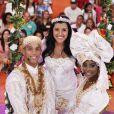 Regina Casé se vestiu de noiva durante o 'Esquenta'