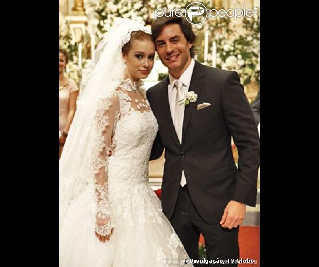 Nicole subiu ao altar com Thales, em 'Amor à Vida', com o vestido assinado por Lethicia Bronstein. Esta foi a 20ª peça da estilista em novelas