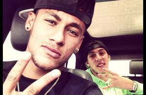 Neymar volta das férias nos EUA e posta foto no Instagram: 'Chegamos, hein!'