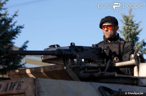 Jason Statham passa bem após quase se afogar durante filmagens de 'Os Mercenários 3'