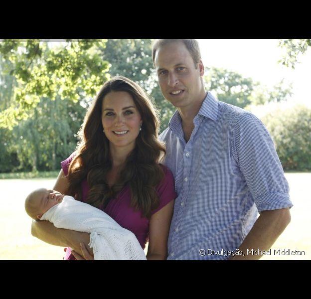 Kate Middleton e príncipe William estão à procura de uma babá para o primeiro filho, George