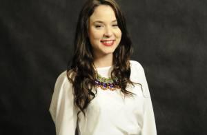 Juliana Lohmann completa 24 anos com personagem recatada na novela 'Joia Rara'