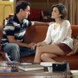 Caio (Thiago Amaral) fica com ciúmes de Giane (Isabelle Drummond) com Fabinho (Humberto Carrão), em 'Sangue Bom'