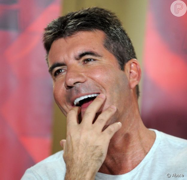 Simon Cowell está ansioso após ver primeira ultrassom do filho: 'Me sinto muito paternal'