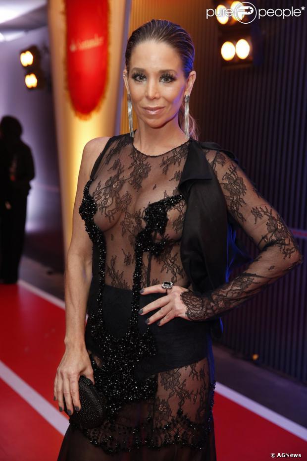 Vestido assinado pelo estilista Rodrigo Rosner que Danielle Winits usou no  Prêmio Multishow custa R  31bd7b0e5b