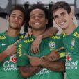 Desde que foi para o Barcelona, Neymar trocou o penteado moicano para um topete mais discreto, a pedido do próprio clube