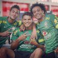 Neymar exibe um penteado mais discreto desde que foi para o Barcelona, com um topete curto